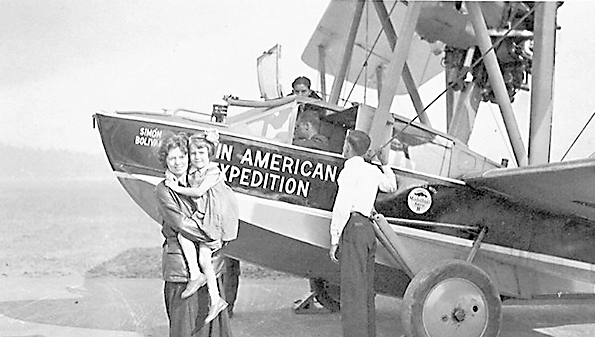Museum founder and female aviator Mary Alice Beatty, holding her daughter Mary Alice Carmichael. Photo courtesy of the Southern Museum of Flight.